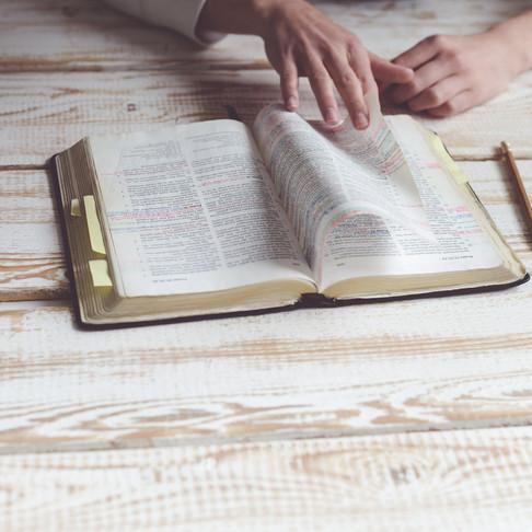 Setembro, mês da Bíblia