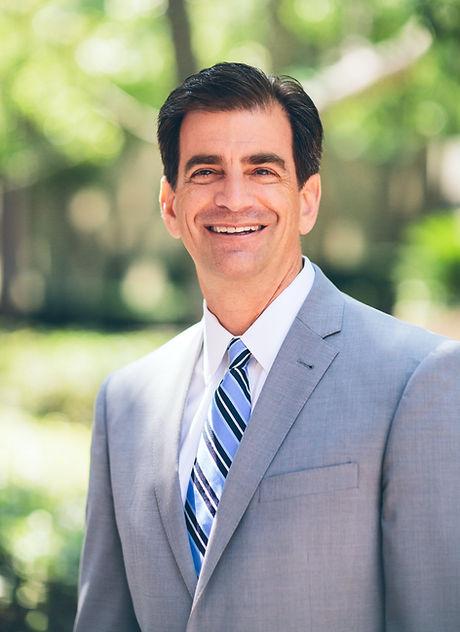 Headshot - Attorney - Bob Makley_edited.jpg