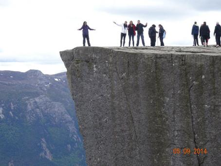 Noruega uma viagem pelos fiordes, montanhas e geleiras.