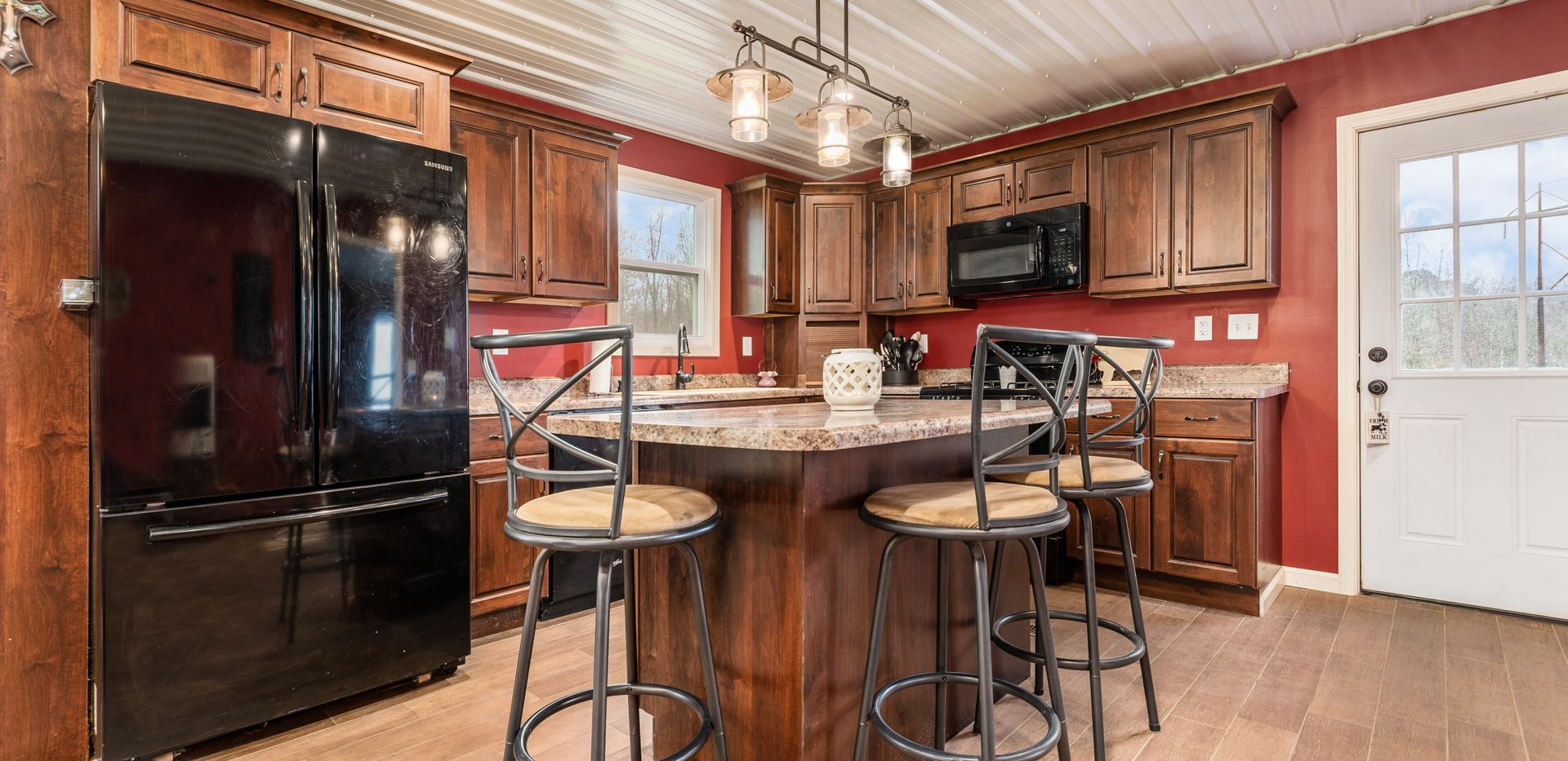 [018] 10563 Wesley Chapel Rd, Mt Perry,