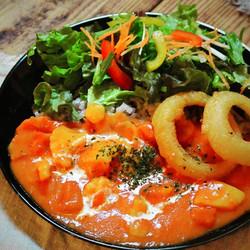カフェプラートルのトマトクリーム煮