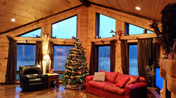 Log Homes and Cabins Greatroom Christmas Tree