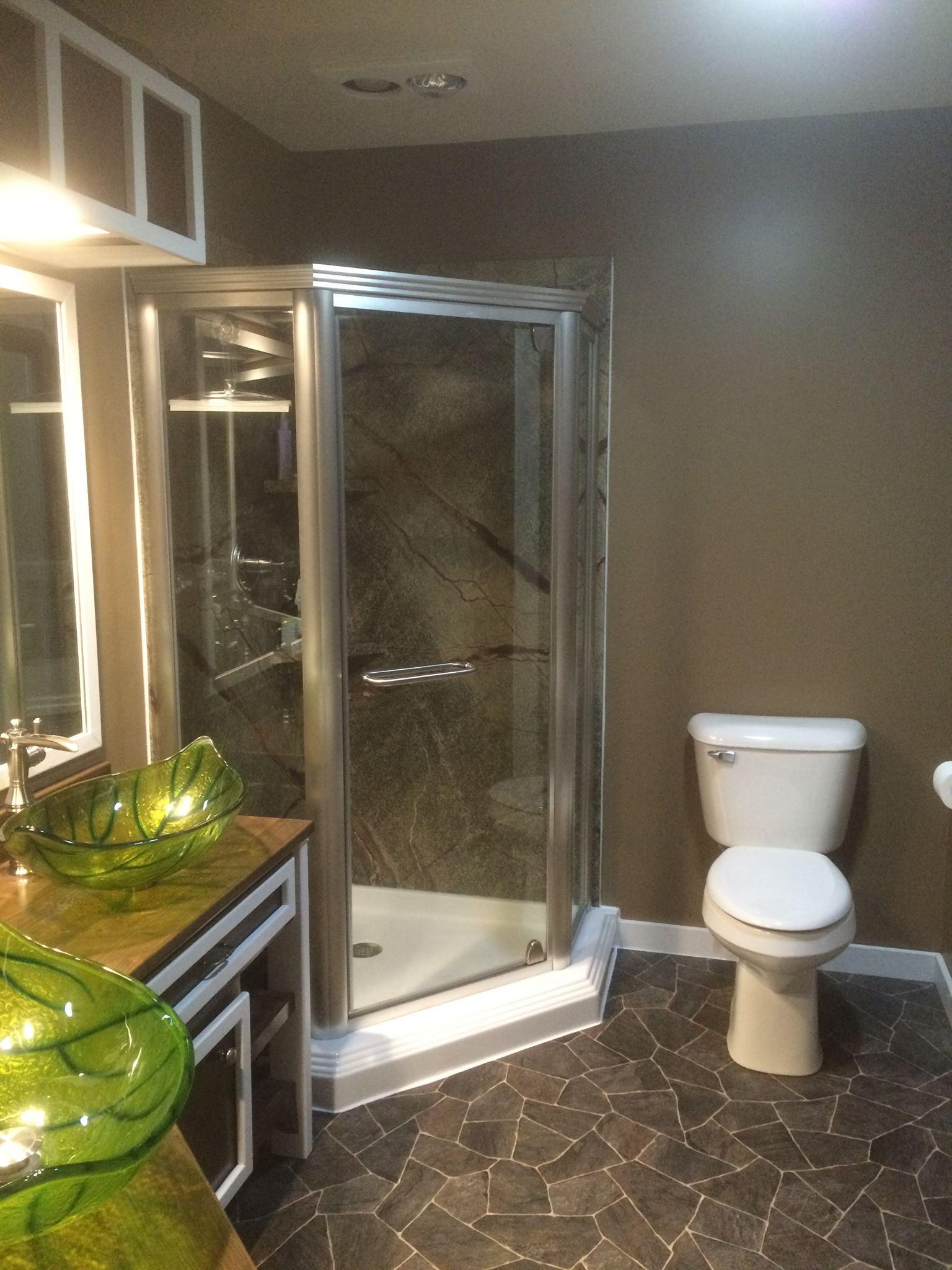 Log Home Rainforest Master Bathroom