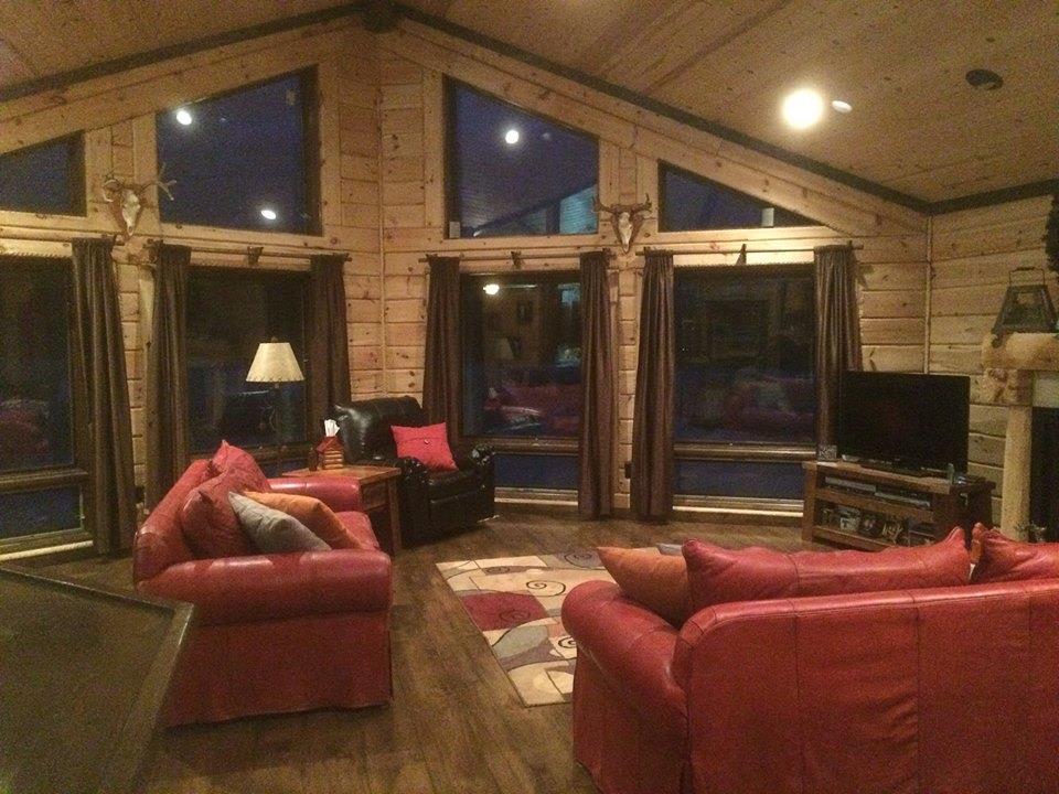 Log Home Cabin Greatroom Livingroom