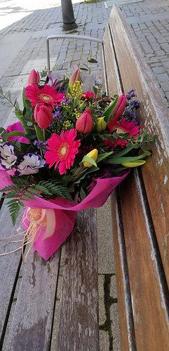 Ramo de tulipanes y gerberas
