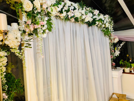 Isabella arch with closed voile