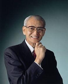 Dr. Hagiwara portrait.jpg
