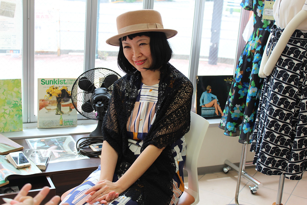 昭和レトロ洋品店SU-MIXにてインタビューを受ける