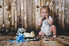 Cake smash photography in Wiltshire