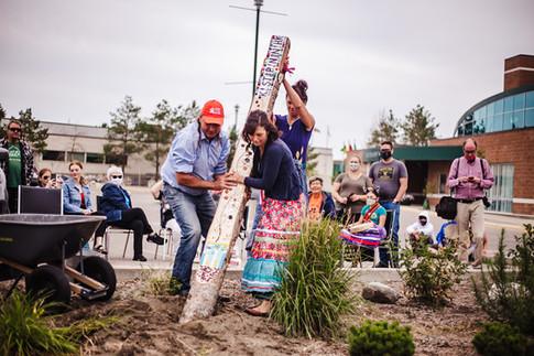 Installing the Métis Lobstick