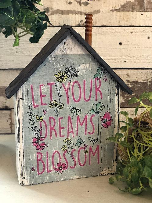 Dreams blossom - Medium Cottage