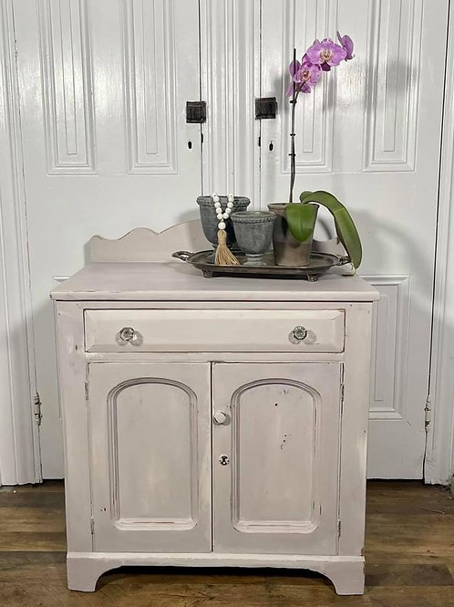 Washstand | Paloma by Annie Sloan Chalk Paint