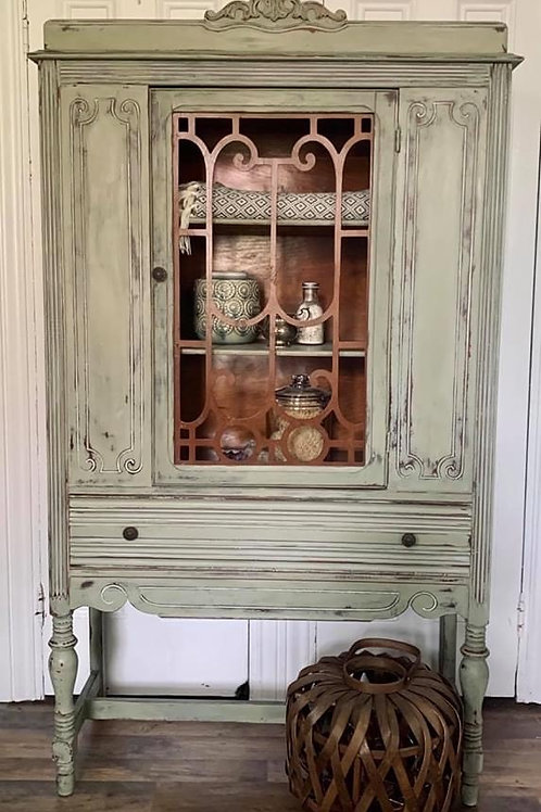China Cabinet | Chateau Grey by Annie Sloan