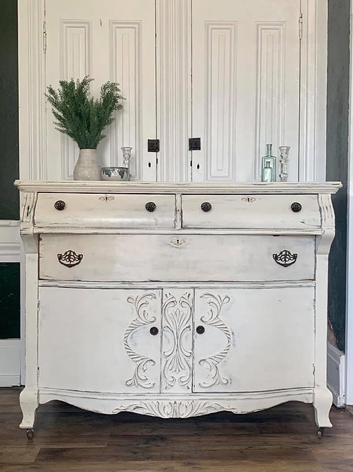 Buffet | Old White by Annie Sloan