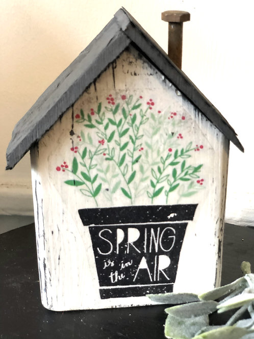 Spring in the air - Small Cottage