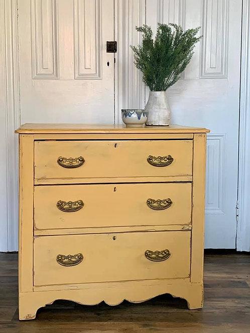 Petite Dresser/Side Table   Arles by Annie Sloan