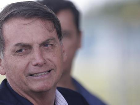 Bolsonaro afirma que governo teve decisão difícil sobre energia solar.