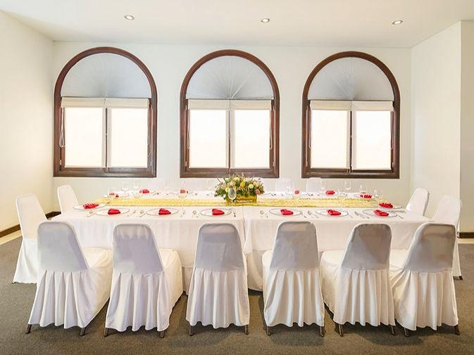 Executive-Meeting-Room_edited.jpg