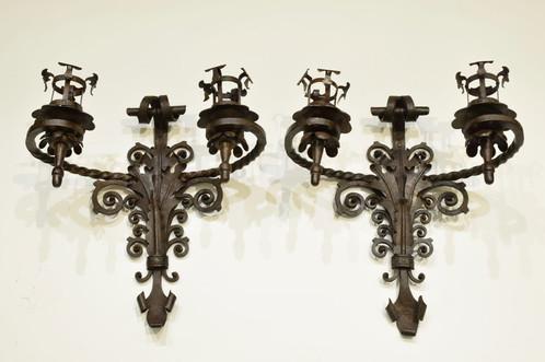 Coppia di applique in ferro battuto