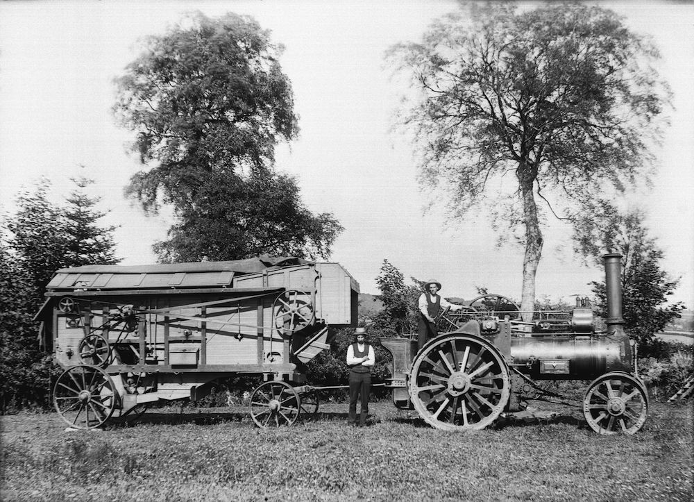 Threshing machine jpg