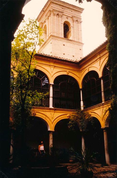 Claustro del Parador Nacional de Granada