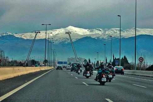 A Sierra Nevada en moto