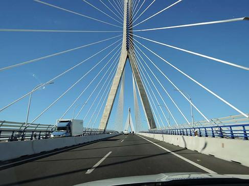Atravesando el Puente de La Pepa.jpg