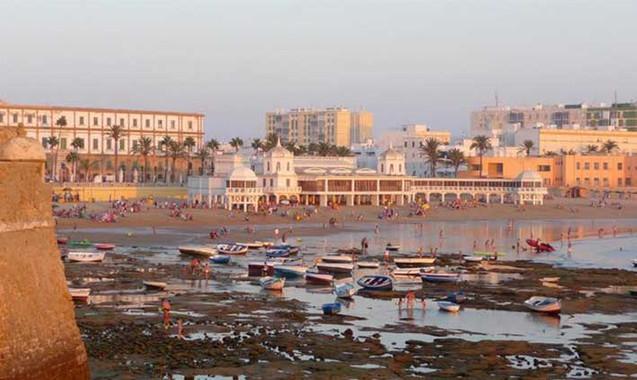 Playa de La Caleta desde el Castillo de Santa Catalina