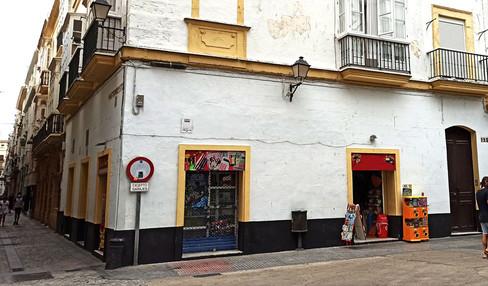 Ficticia ubicación del Brodie's, el pub de Cam
