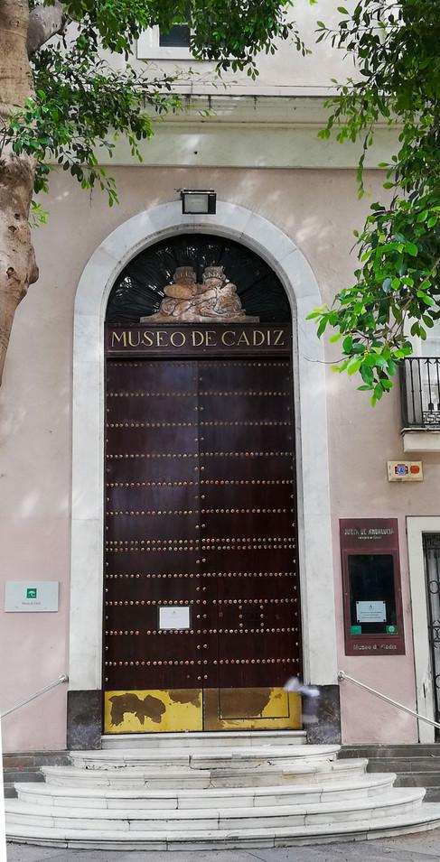 Entrada al Museo Arqueológico de Cádiz