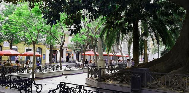 Escultura en la plaza de Mina