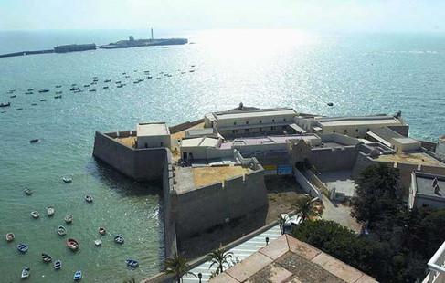 Castillo de Santa Catalina visto desde La Caleta
