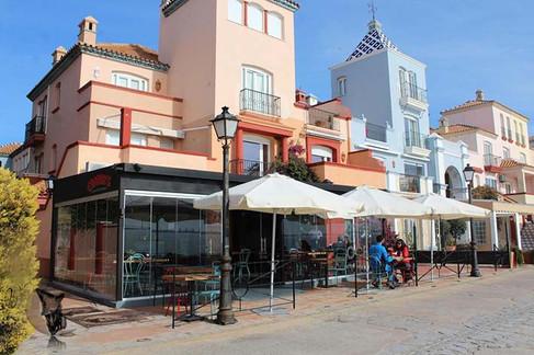 Restaurante donde comen Ana y Mariio