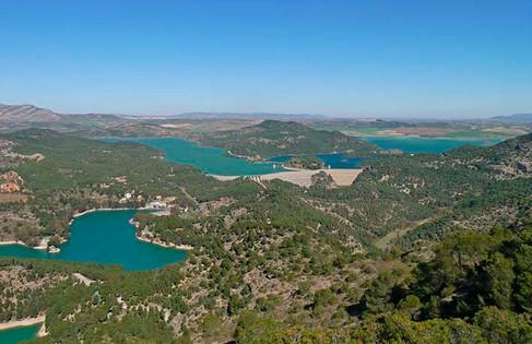 De izquierda a derecha, Embalse Conde del Guadalhorce, Embalse del Guadalteba, y Embalse del Guadalhorce