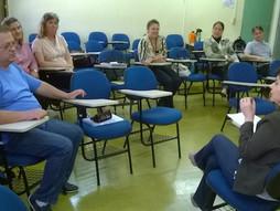Professores do PDE participam de Microensino