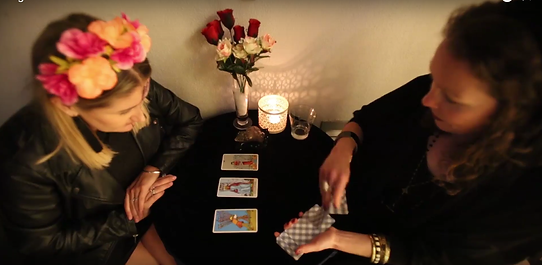 tarot reader for events