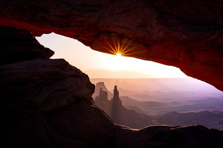 Maggie Dudeck_Sunrise_at_Mesa_Arch.jpg