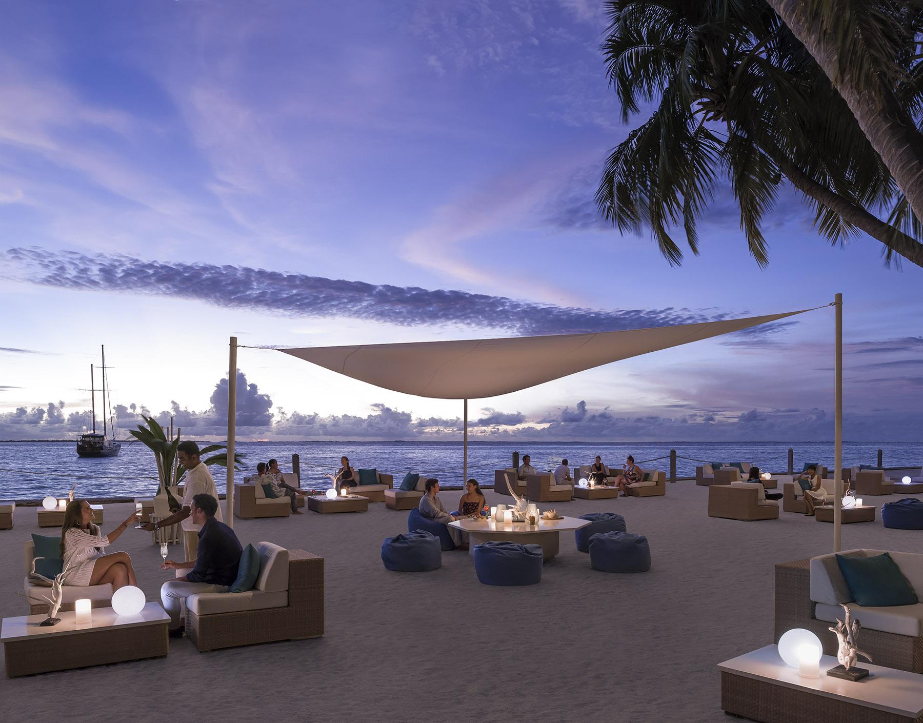 SLMD_ M-Lounge sunset