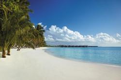 SLMD_ Resort Beach