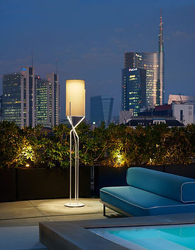 Slide Aura-outdoor_stelo-whiteparalume-m