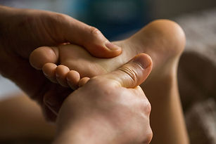 massage-on-baby-foot.jpg