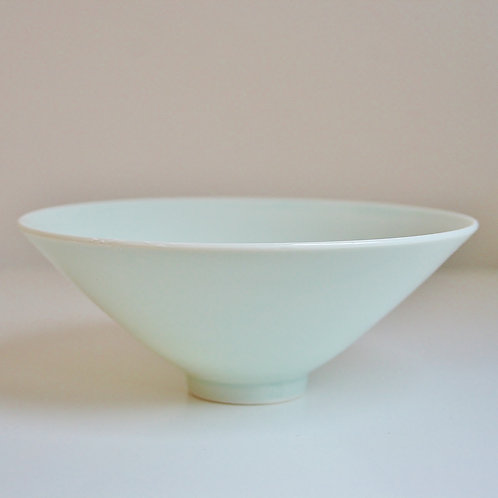 A small bowl in celadon