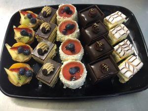 Cake-Slice-Platter-300x225.jpg