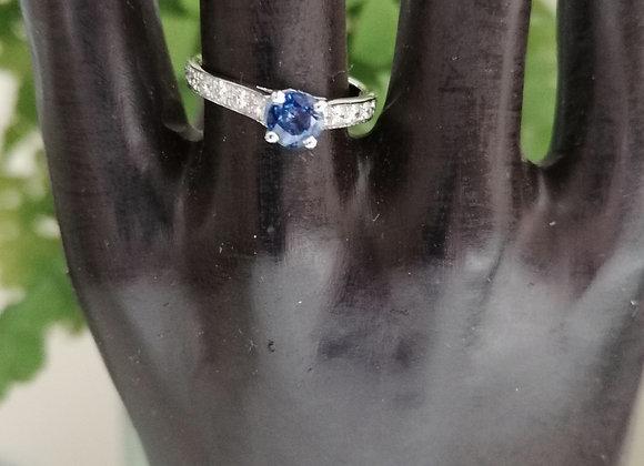 solitaire saphir accompagné de diamants