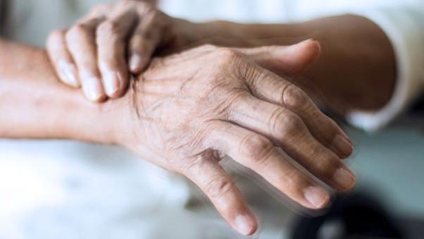 Tremor nas mãos e no corpo e a importância do diagnóstico