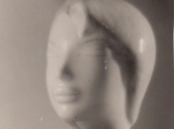 Портрет жены, ч/б авторская роспись, в массовом производстве не была