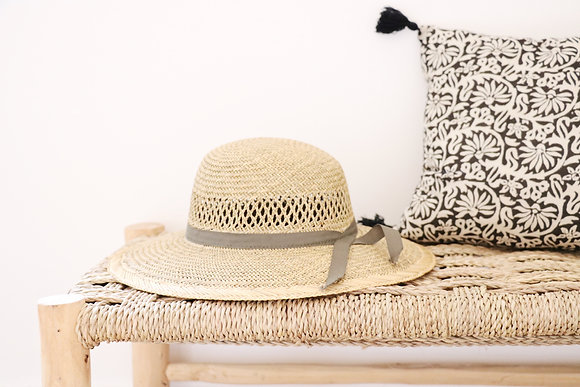 Ancien Chapeau tressé ruban gris