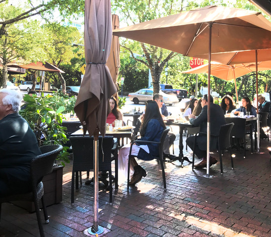 Greenstreets Cafe I Commodore Plaza