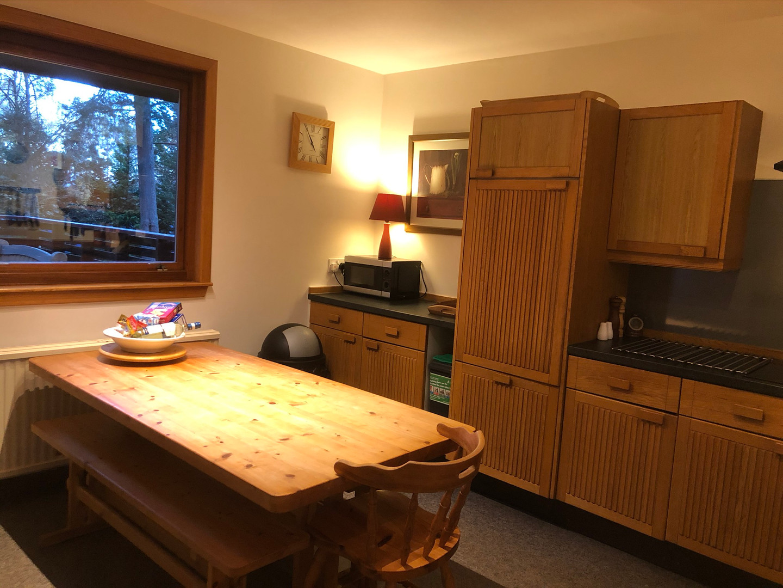Treehouse Kitchen 8