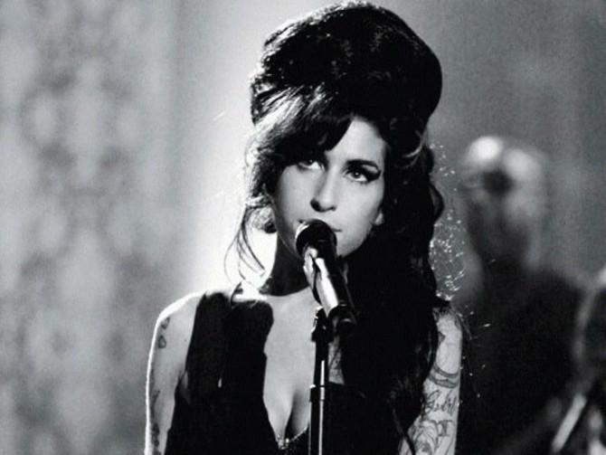 Publican una canción inédita de Amy Winehouse